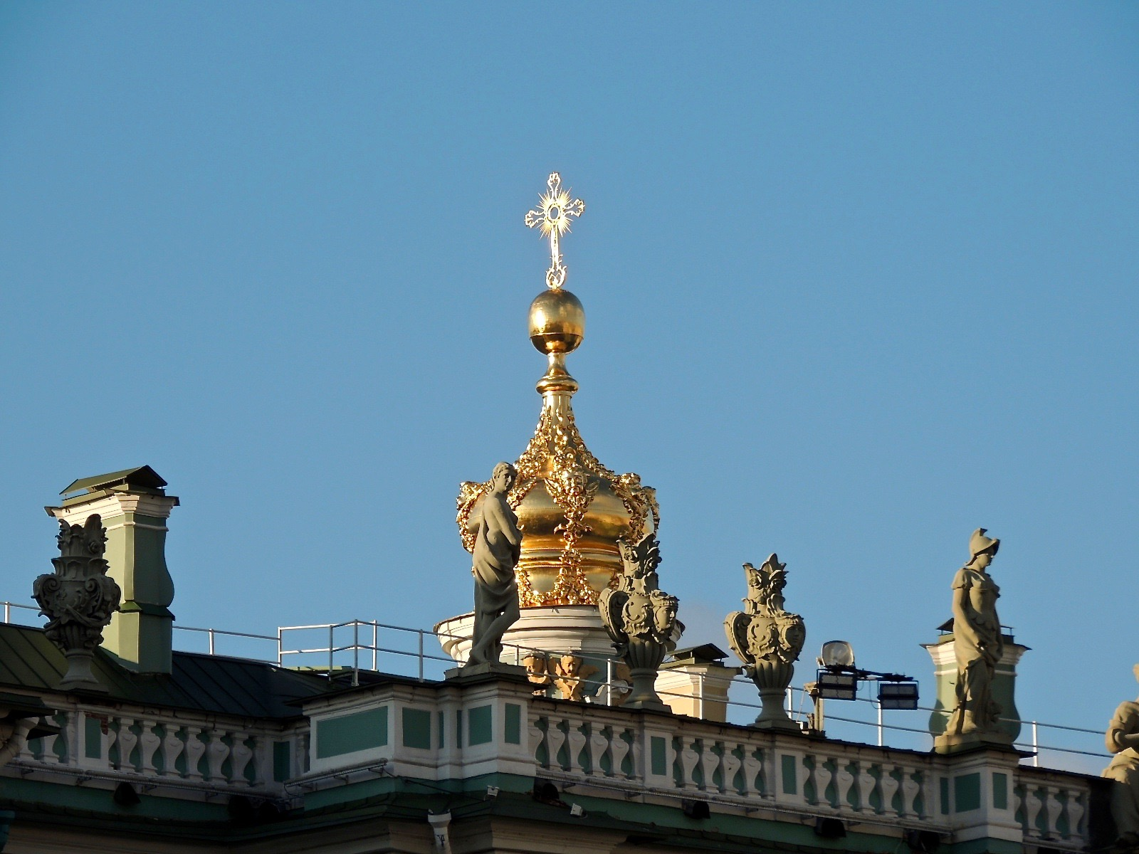 The golden cupola on top of the Winter Palace