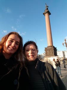 Annie and Veronika in front of Alexander Column which sits in Palace Square.