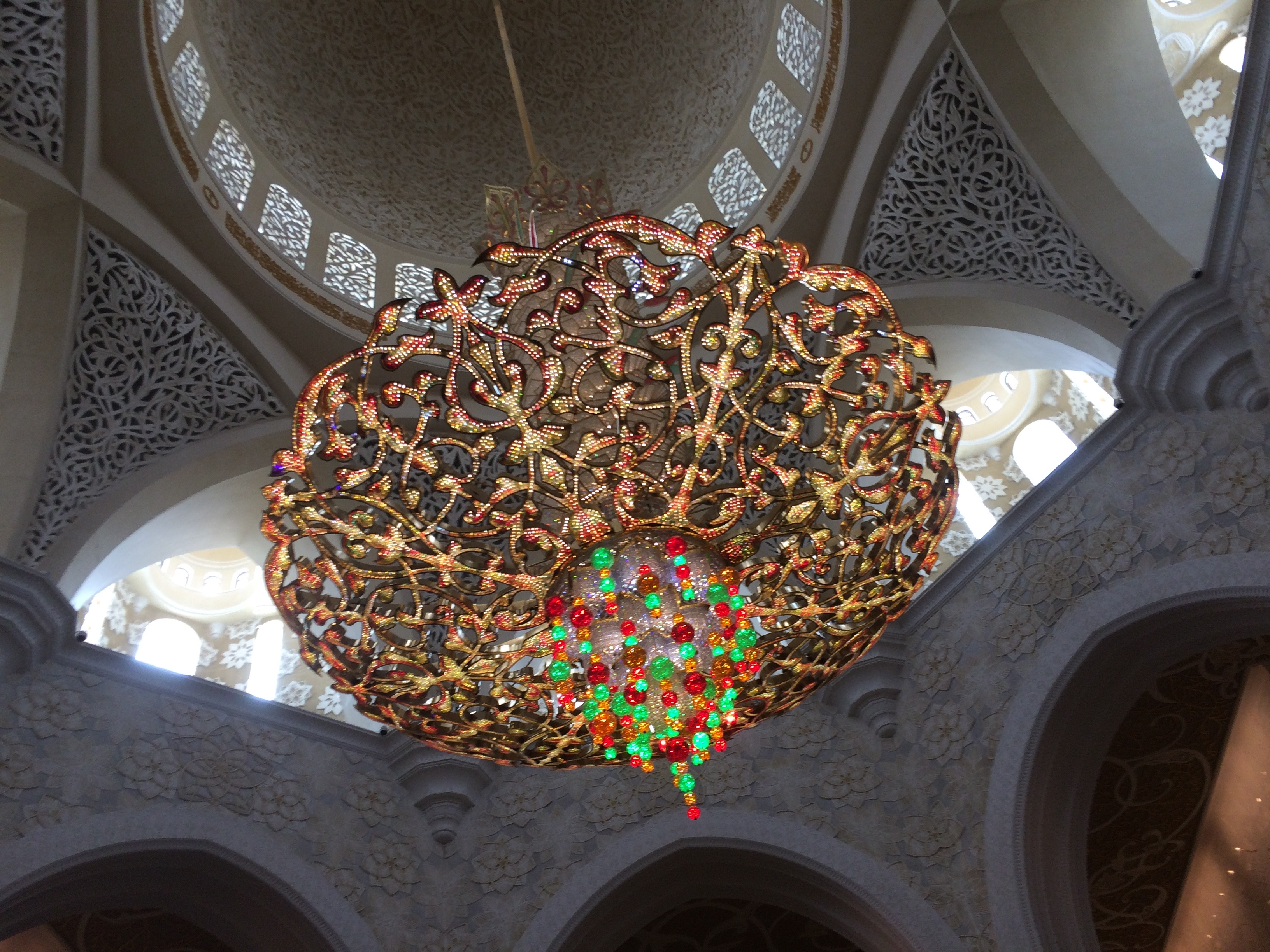 Gold ceiling and chandelier in the Abu Dhabi Mosque