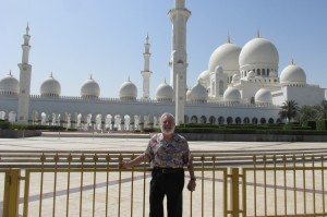 Ron in front of Abu Dhabi Mosque