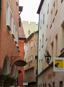 The German work, kramgasse, describes the narrow streets filled with shops.