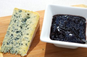 Osterkron has high fat content and a green mold. Similar to a blue cheese.