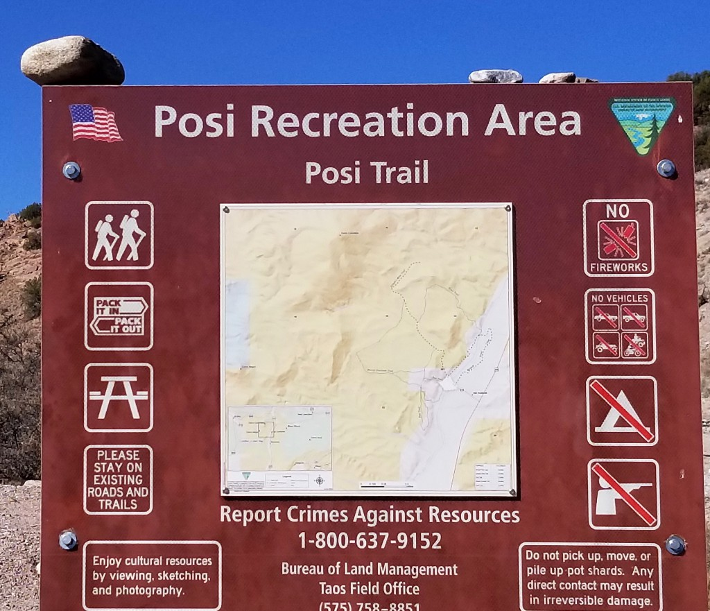 Hiking is available in the Posi Recreation Area. The trails are moderate in difficulty.